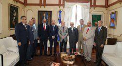 Presidente invitado a reunión en Punta Cana