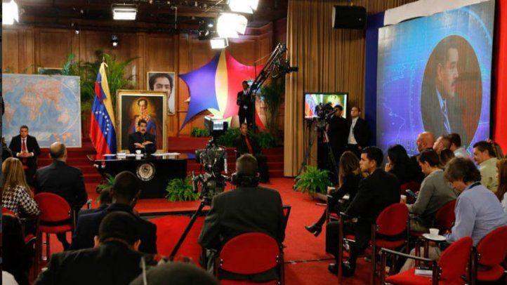 Expulsan a periodistas de rueda de prensa de Nicolás Maduro