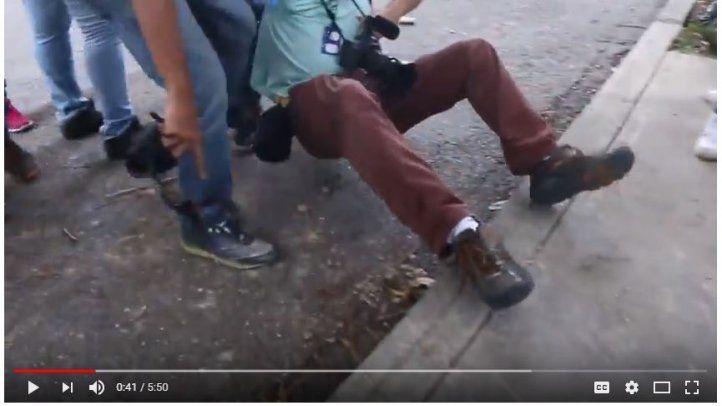 Venezuela en imágenes - Los periodistas asediados
