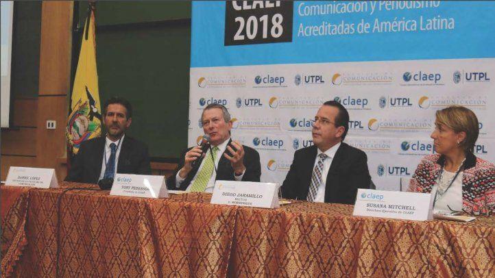 Académicos y periodistas expresaron su solidaridad tras asesinato de equipo de El Comercio