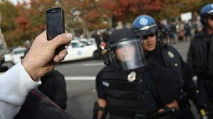 Citizens right to film police activity in public places