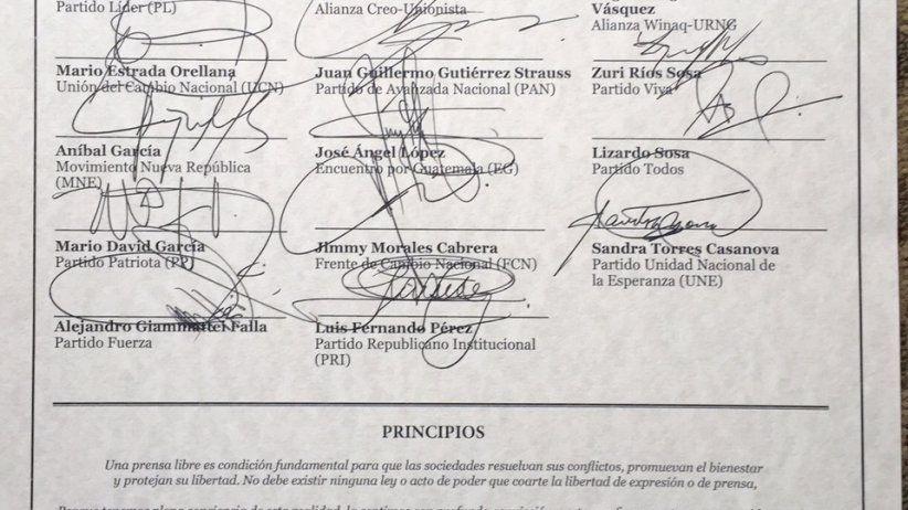 Jimmy Morales es firmante de Chapultepec
