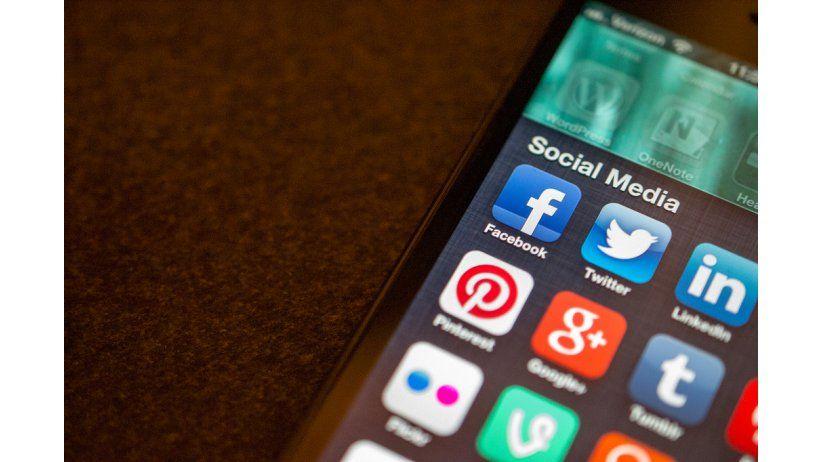 Redes sociales seguras: Su uso personal, profesional e institucional