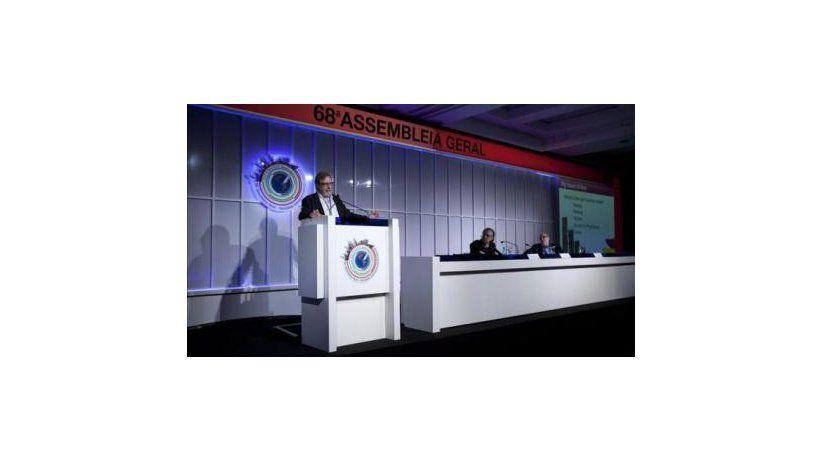 Conferencia de Juan Luis Cebrián en São Paulo