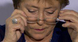 Bachelet demanda a revista por difamación
