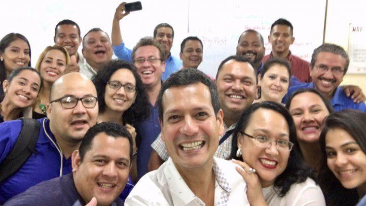Periodistas nicaragüenses reciben curso de videoperiodismo móvil