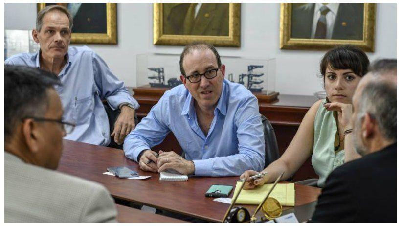 Ecuador: Gobierno se compromete a reformar represiva ley de medios