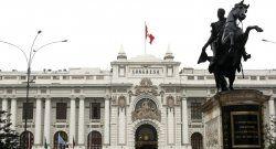 La SIP condena que el Congreso peruano considere legalizar la discriminación contra los medios privados