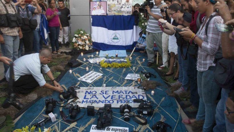 Periodistas de La Prensa denuncian amenazas, persecución, ataques en redes sociales y robo de equipo