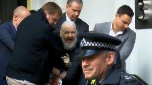 Julian  Assange y los riesgos del periodismo de investigación