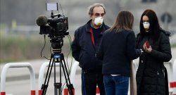 Podcast: Ante la pandemia varios gobiernos han coartado a los informadores