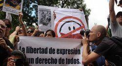 La SIP condenó detenciones y acusaciones de incitación al odio contra periodistas venezolanos
