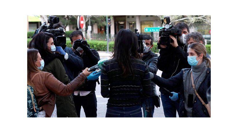 Gobiernos limitaron acceso a la información y circulación de periodistas durante la pandemia