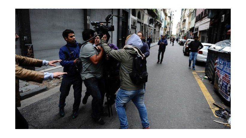 IAPA protests attacks on journalists in Argentina