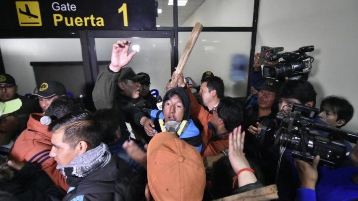 IAPA denounces aggression against journalists in Bolivia