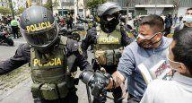 Policia-agrede-a-periodistas-1 - Perú.jpg